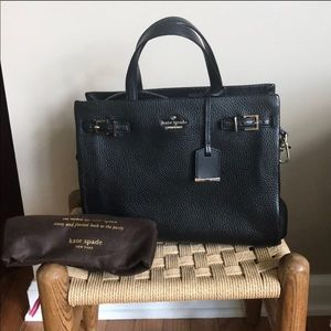 Kate spade tote - retail store - not outlet